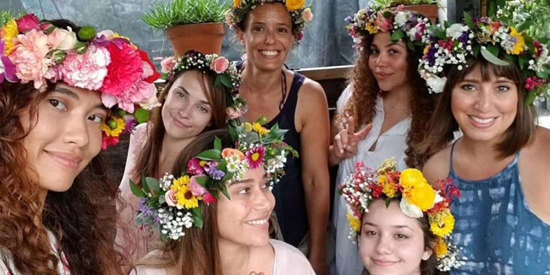 FLOWER CROWN CLASS WITH ZOOM BLOOMZ