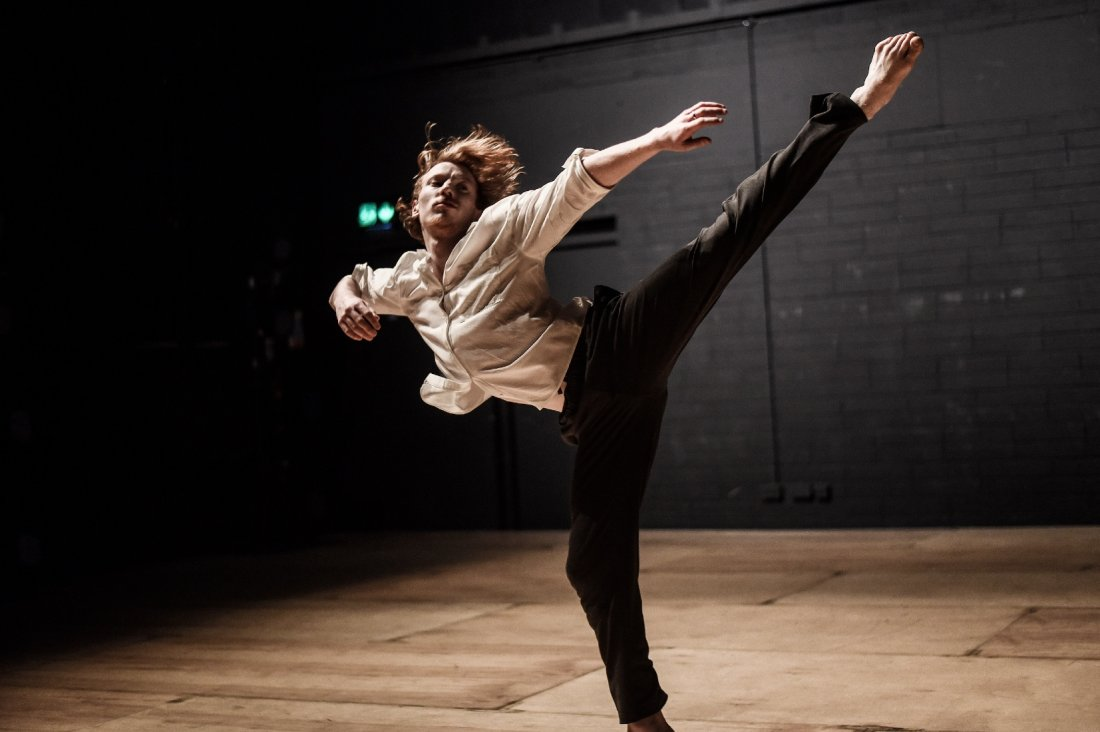 EVOLUTIONS - irish modern dance theatre